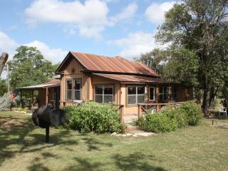 2 bedroom House with Television in Bandera - Bandera vacation rentals