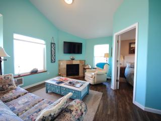 The Lookout-Beachfront, Kitchen, Fireplace,balcony - Lincoln City vacation rentals
