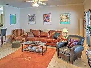 Spacious & Modern 3BR Corpus Christi Townhome w/Wifi, Private Hot Tub, Hammock & Community Pool Access - Just 1 Block to the Beach! Close to Schlitterbahn & Other Attractions! - Corpus Christi vacation rentals