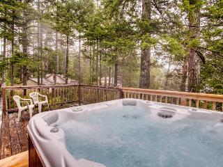 Expansive deck w/hot tub & dock on Woahink Lake - sleeps 6! - Florence vacation rentals