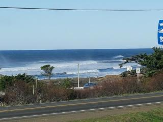 Comfortable ocean view home, close to town & 4 blocks from the beach! - Yachats vacation rentals