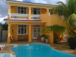 Comfortable villa for rent at FLIC en FLAC - Flic En Flac vacation rentals