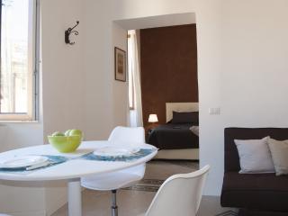 Santonofrio Bronze - Roma vacation rentals