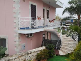 3 bedroom Villa with Internet Access in Marina di Pulsano - Marina di Pulsano vacation rentals