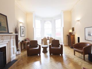 Barkston Gardens III - London vacation rentals