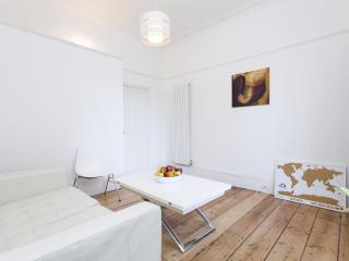 onefinestay - Canonbury Square apartment - London vacation rentals