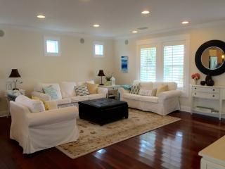 Casa Girasol, cute & cozy perfect for your getaway - Pensacola Beach vacation rentals