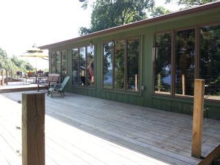 Beautiful Home on Beaver Lake, Rogers Arkansas - Rogers vacation rentals