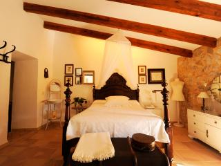 Comfortable, spacious and well equipped typical Majorcan country house - HM010BBT - Son Cervera vacation rentals