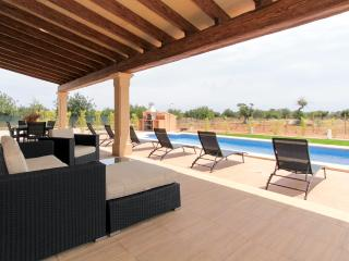 Modern villa with pool for 6 persons in Binissalem, wine country par excellence of Majorca. - HM010MLC2 - Binissalem vacation rentals