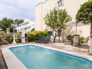 Ground floor apartment only 150 meters from the sea in quiet residential area - HM010NPT - Puerto de Alcudia vacation rentals
