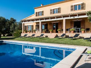 Country house with pool in Manacor, ideal for large groups and only 2 km from the beach - HM010SCC - Porto Cristo vacation rentals