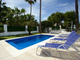 Villa with pool in Puerto Alcudia only 20 meters from the sea - HM010VCM - Puerto de Alcudia vacation rentals
