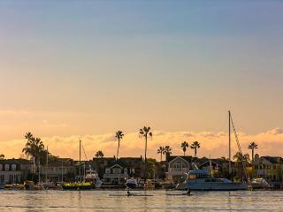 25% OFF AUG DATES - Walk to Beach, Bay, Restaurants, Ferry and Fun Zone - Newport Beach vacation rentals