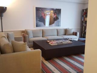 Luxurious Apartment Plaza Athenee - Paris vacation rentals