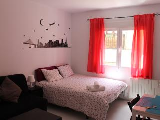 Home Rentals Madrid Center 2-2 WIFI - Madrid vacation rentals