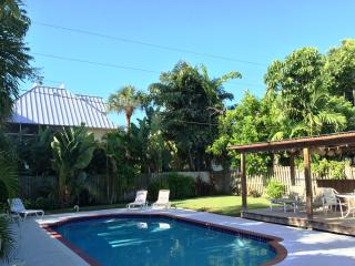 Peaceful PRIVATE POOL Home 3Blocks 2Sand IR Beach - Indian Rocks Beach vacation rentals