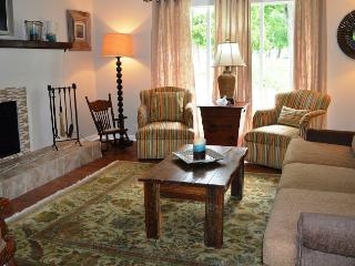 Beautiful Fully Remodeled 3/2 with fenced backyard - Laurel Hill vacation rentals