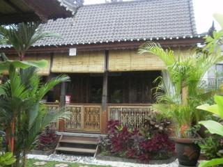 Jasmine cottage Ubud. Gorgeous, javanese style - Ubud vacation rentals