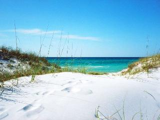 Extra Large Ground Beach Level Patio & Gulf Front. Two Bedroom, Two Full Bath - Fort Walton Beach vacation rentals