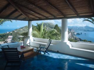 Villa Tipica Eoliana con vista panoramica - Lipari vacation rentals