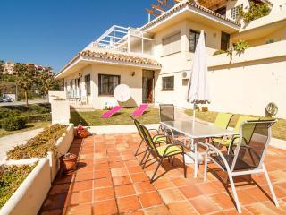 Garden Apartment Costa del Sol - Fuengirola vacation rentals