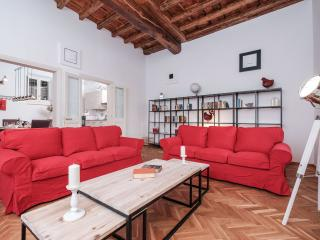 Wonderous 2BR Apartment at S. Maria in Trastevere - Rome vacation rentals