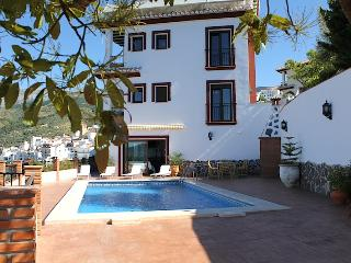 Charming 7 bedroom Villa in Canillas de Albaida - Canillas de Albaida vacation rentals