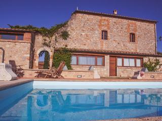 Villa Castello vicino a Monteriggioni - Siena vacation rentals