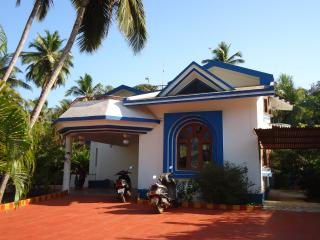 Perfect Villa with A/C and Satellite Or Cable TV - Calangute vacation rentals