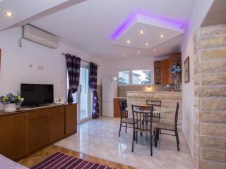 Apartmani A2+1 persons - Slatine vacation rentals