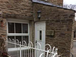 Wonderful Cottage with Housekeeping Included and Television - Hawes vacation rentals