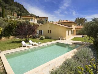 Beautiful 5 bedroom Ollioules Villa with Internet Access - Ollioules vacation rentals