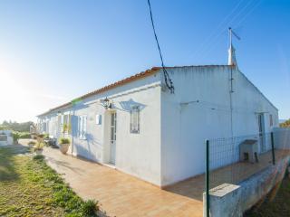 Flynn Villa, Armação de Pêra, Algarve - Armação de Pêra vacation rentals