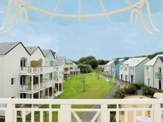 Nice Condo with Dishwasher and Short Breaks Allowed - Courseulles-sur-Mer vacation rentals
