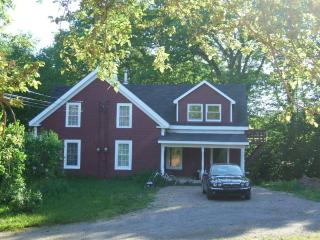 Cozy 3 bedroom House in Kentville with Internet Access - Kentville vacation rentals