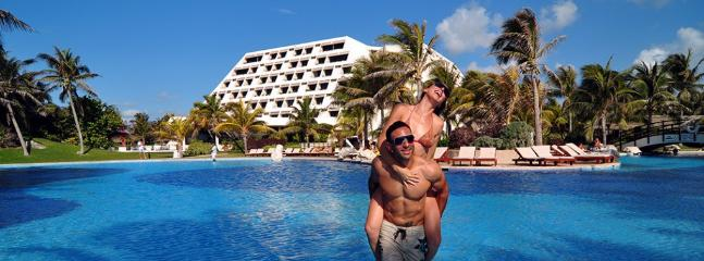 Grand Oasis cancun Pyramid by lifestyle VIP - Cancun vacation rentals