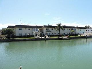 1 bedroom Apartment with Internet Access in Treasure Island - Treasure Island vacation rentals