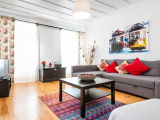OLD CITY CENTER APARTMENT 2 BEDROOMS - WIFI - Lisbon vacation rentals