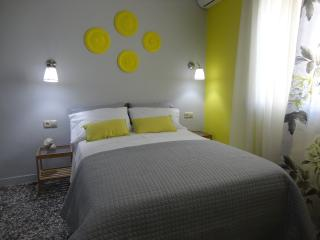 Comfortable 1 bedroom Pitsidia Condo with Internet Access - Pitsidia vacation rentals