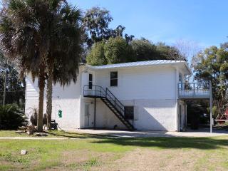 2 bedroom Condo with Internet Access in Savannah - Savannah vacation rentals