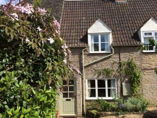 Cotswolds. Malthouse Cottage. Romantic & peaceful - Kington St Michael vacation rentals