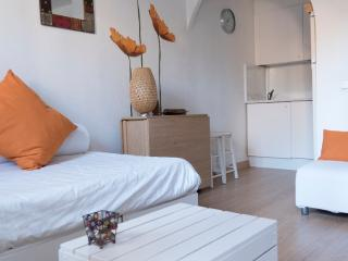 PT POETA - Barcelona vacation rentals