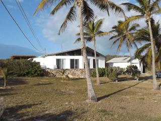 HIGH TIDE 3bd/2ba A 'PEACE' of Paradise - George Town vacation rentals