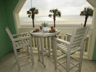 Beautiful Beachfront 2 Bdrm @ the Dawn Condos - Galveston vacation rentals