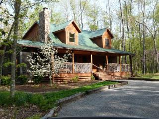 Spacious 4 bedroom House in Great Cacapon - Great Cacapon vacation rentals