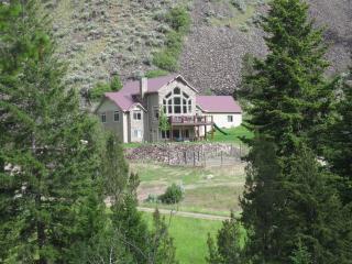 Waterfront Mountain Luxury in Salmon: Elktracks - Salmon vacation rentals