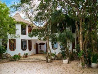 Villa Natural, Unique luxurious Architecture - Cancun vacation rentals