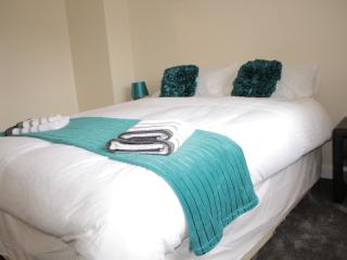 Nice 2 bedroom House in Wolverhampton - Wolverhampton vacation rentals