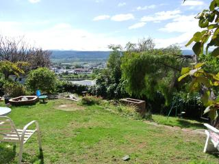 Comfortable 2 br flat with garden and city view - Launceston vacation rentals